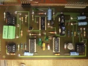 Oscilator (74LS221) in operacijski ojačevalci (741, 1458)